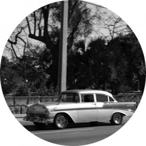 car2-min